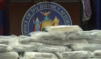 Pila de droga decomisada y varios arrestos en operativo