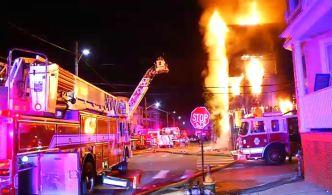 Incendio destruye casa multifamiliar en Providence