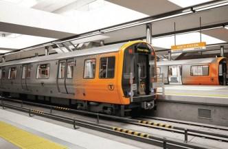 Hombre muere atropellado por un tren de la línea naranja