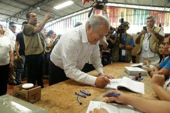 El Salvador: presidente pide a partidos respetar resultados