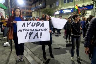 Bolivianos se movilizan en defensa de sus bosques