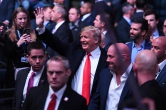 Abucheado y aplaudido: así recibieron a Trump en pelea de UFC en Nueva York