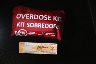 Instan a ciudadanos a cargar antídoto para sobredosis