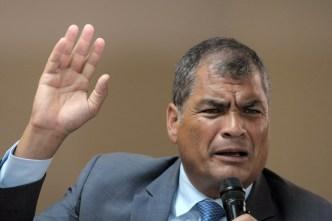 Ecuador: Correa niega que haya golpistas y pide elecciones anticipadas