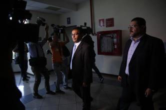 Exoneran a exfuncionarios acusados de favorecer a pandillas