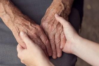 Campaña ofrece ayuda a cuidadores familiares