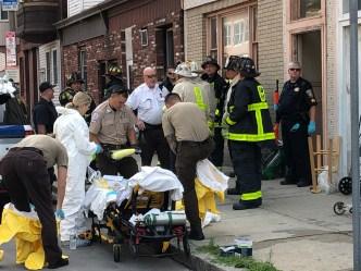 Evacúan apartamento lleno de excrementos en East Boston