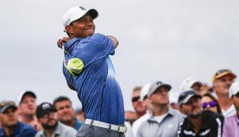 Tiger Woods posterga su regreso al golf