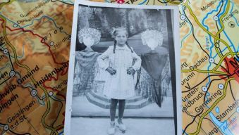 "Está viva la ""niña"" de la foto confiscada por los nazis"