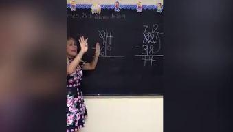 """Maestra revela """"truquito"""" para enseñar a niñitos a restar"""