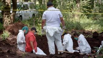 Aumentan a 18 los cadáveres en fosas clandestinas