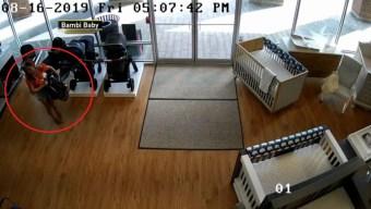 Policía: entran a robar y olvidan a su niño en la tienda