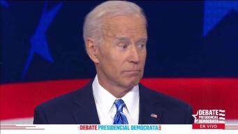 """En video: Biden se salva de un """"manotazo"""" en pleno debate"""