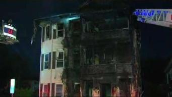 Dos desplazados tras incendio en hogar de Worcester
