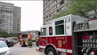 Incendio en apartamentos dejan a 800 desplazados