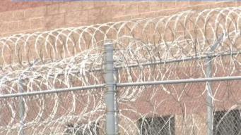 Abogados visitan a inmigrantes detenidos en Centro Wyatt