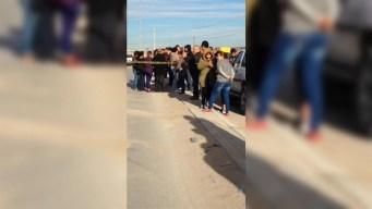 Policía: mujer pierde control y atropella a 4 estudiantes