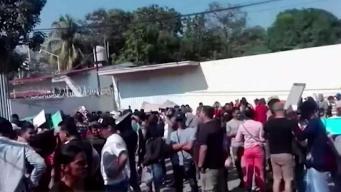 Aumentan cubanos varados en México