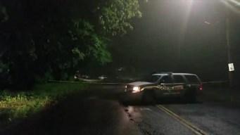 Encuentran a mujer asesinada dentro de su auto