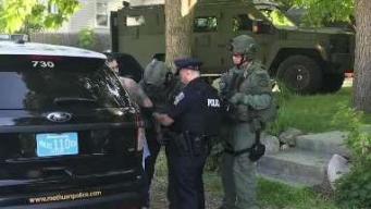 Arrestan hombre que se atrincheró en casa de Methuen