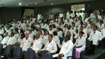 Brasil regulará situación de médicos cubanos