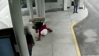 Brutal golpiza queda captada en cámara