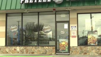 Buscan a sospechoso de robar panadería en Revere