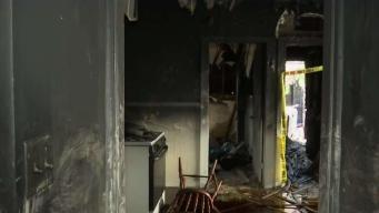 Casa familiar queda en cenizas tras incendio en Worcester