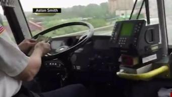Pillan a chofer de NJ Transit distraído al volante