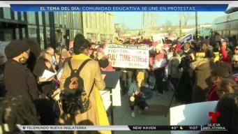 Comunidad protesta por mejoras educativas