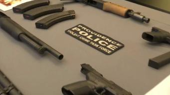 Confiscan armas y drogas en Providence