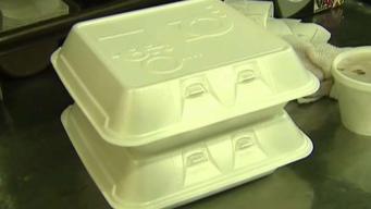 Prohíben contenedores de comida de poliestireno