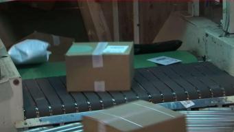 Envía caja con ayuda para huracán María y se pierde