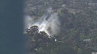 Incendio en Fallbrook estalla en medio de alerta