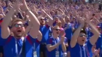 Fanáticos islandeses apoyan a su equipo