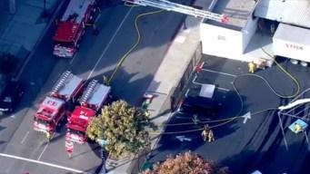 Bomberos sofocan las llamas en un Salvation Army