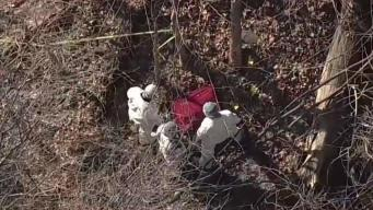 Hallan cuerpo de mujer en una maleta en carretera de Connecticut