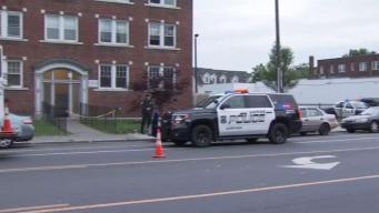 Hombre muere apuñalado en Hartford