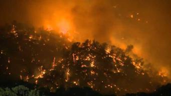 Voraz incendio provoca evacuaciones al norte de la Bahía