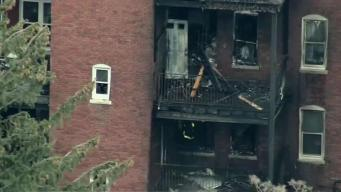 Intenso fuego consume edificio en Boston