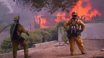 Crece incendio mortal cerca del Parque Nacional Yosemite