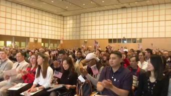 Juramentan a nuevos ciudadanos americanos en la región