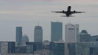 Le cobran doble pasaje de avión