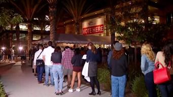 Largas filas en el Registro de Votantes