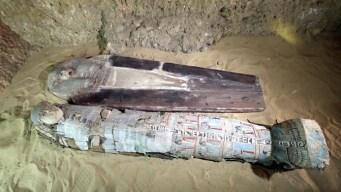 """Hallan tumbas de 4,400 años de """"poderosos"""" en Egipto"""