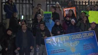 Manifestantes hacen vigilia por licencia para indocumentados