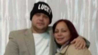 Mujer sufre muerte de su esposo en centro de detención