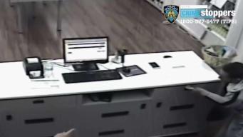 NYPD: sujeto amenaza con jeringuilla a empleada