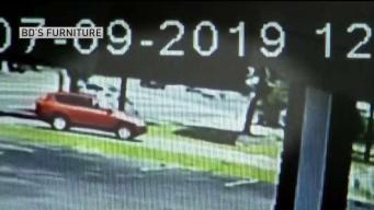 Nuevo video de auto estrellándose en parada de bus en Lynn