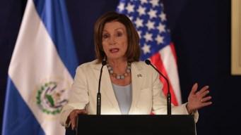 """Pelosi en Guatemala: """"vergonzosa"""" la situación migratoria"""